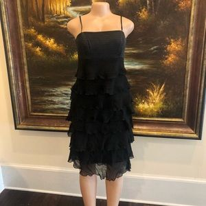 3/$25☀️ Laundry little black Ruffle dress Size 6